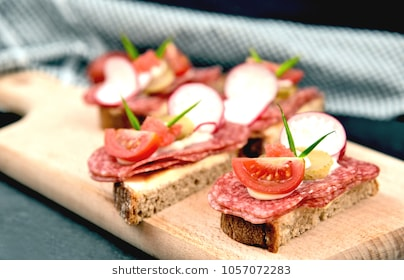 Rye Bread With Salami And Alot Vegetable (German Name Is Belegtes Brot) - Belegtes Brot, Transparent background PNG HD thumbnail